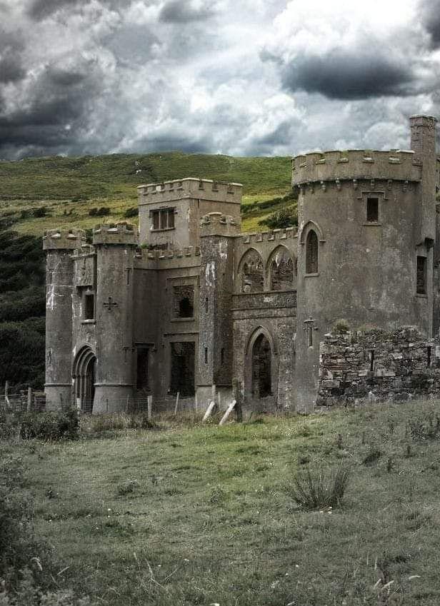 MoerlimansClifden Castle, Ireland.