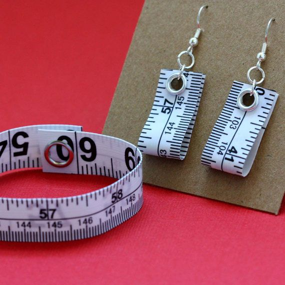 Meetlint sieraden instellen in wit  armband en oogbel - €9.14 - NT-NV