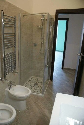 Oltre 25 fantastiche idee su Dipingere i mobili del bagno su Pinterest  Mobili da bagno dipinti ...