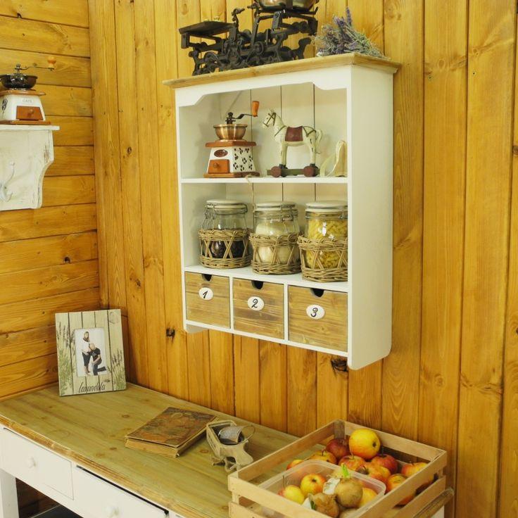 Police do kuchyně s šuplíky na potraviny