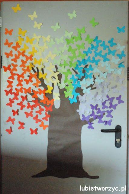 Fajny sposób na dekorację drzwi w przedszkolu / A nice way to decorate a door in kindergarten  #instrukcja #instruction #handmade #rekodzielo #DIY #DoItYourself #handcraft #craft #lubietworzyc #howto #jakzrobic #instrucción #artesania #声明 #przedszkole #nurseryschool #kindergarden #escueladepárvulos #jardíndeinfancia #幼儿园 #motyl #butterfly #mariposa #蝴蝶 #drzwi #door #puerta #門 #Türen #дверь #ozdoby #dekoracje #decorations #decorado #布置 #Dekorationen #украшения