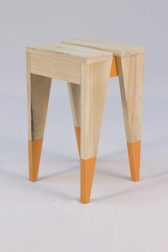 Banquito hecho con madera de Alamo macizo. Medidas: 45cm (alto) x 27cm (ancho) x 27cm (profundidad) Terminacion: Hidro Laca Detalles en color disponible: bl...