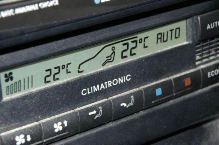 Wie arbeitet eine Klimaanlage in unserem Auto?