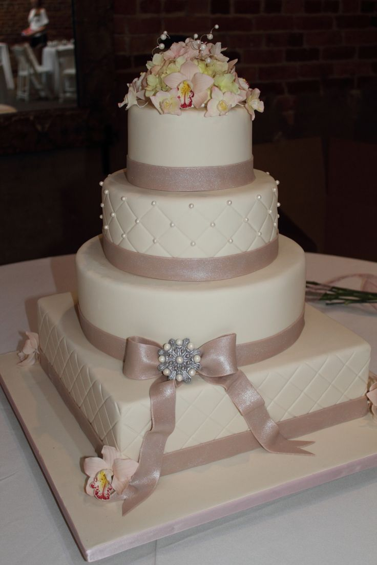 wedding cakes | The Cake Engineer: Ivory Wedding Cake with Champagne Bow and Gum Paste ...