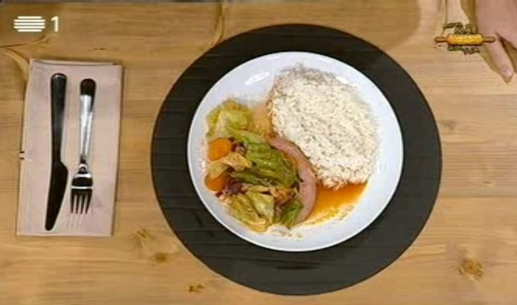 RECEITA: Salsichas com Couve lombarda à prima Isabel