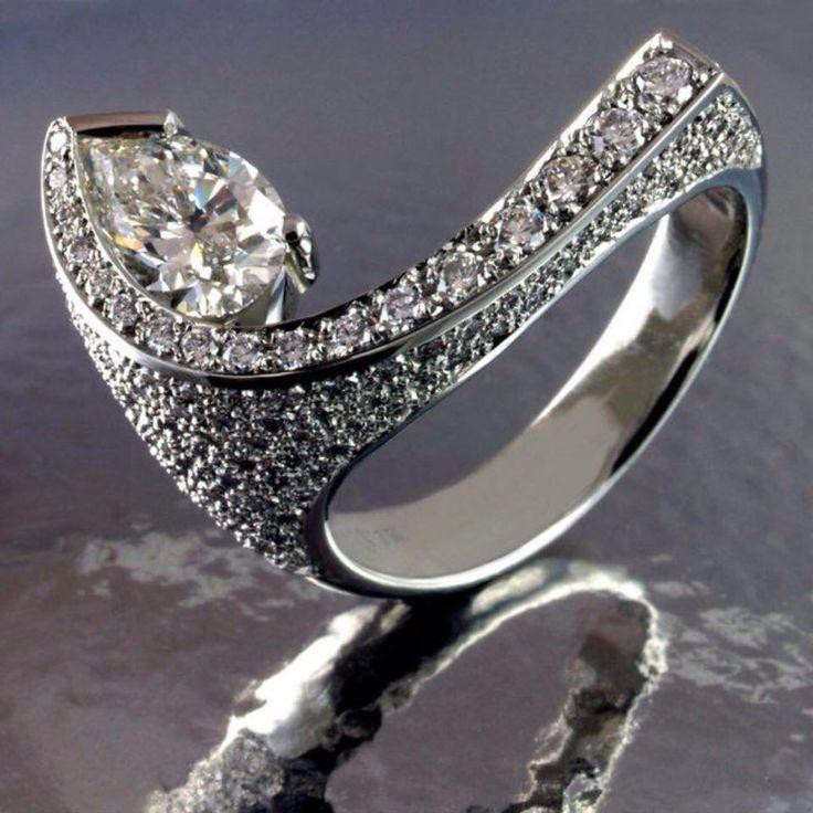 Unusual Diamond setting