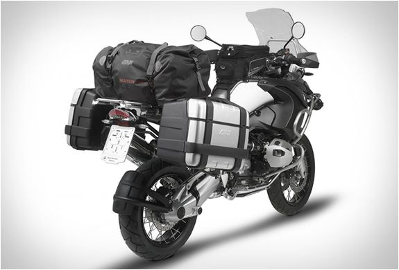 Italian brand Givi are specialists in motorcycle accessories, their range of waterproof soft bags feature an Italian design and strong techn...