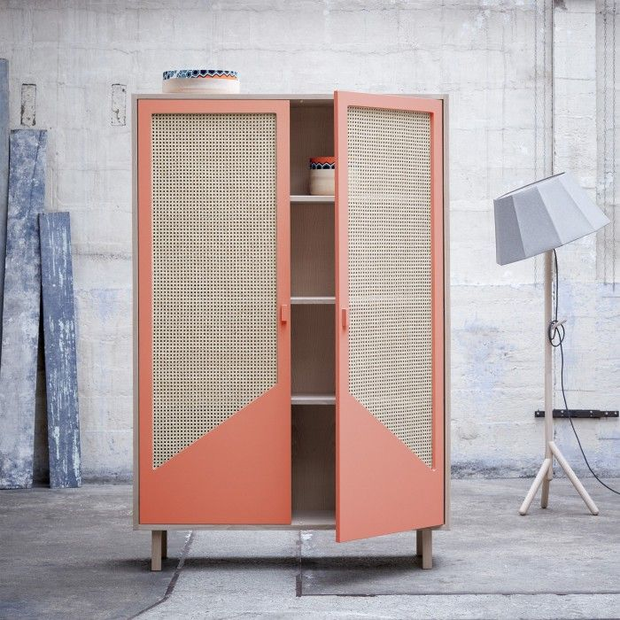 STRAW coral closet by COLONEL. Useful closet and perfect dimensions. Design by Isabelle Gilles and Yann Poncelet. Decoration and contemporary furniture in Paris.