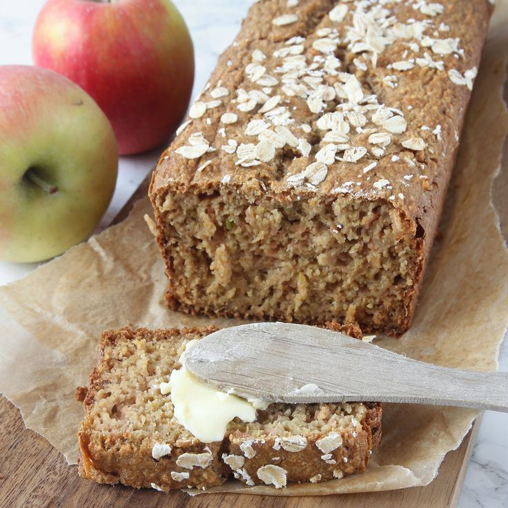 Saftigt, lättbakat bröd som inte behöver inte jäsa. Rivna äpplen i degen gör det extra gott & saftigt!
