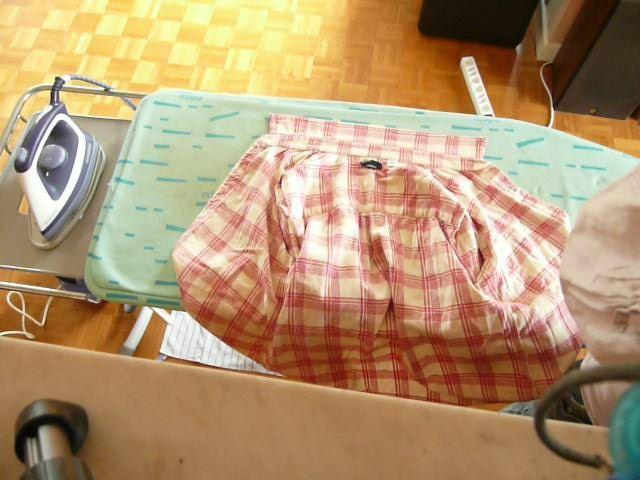 Petite leçon de repassage : chemise femme avec pli au dos et utilisation de la jeannette
