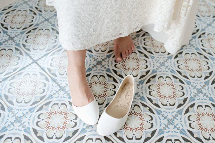 Bridal shoe   Santorini Wedding Photographer   Teodora Simon