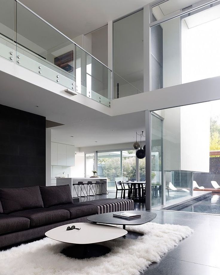 beautiful large spacious air space living room
