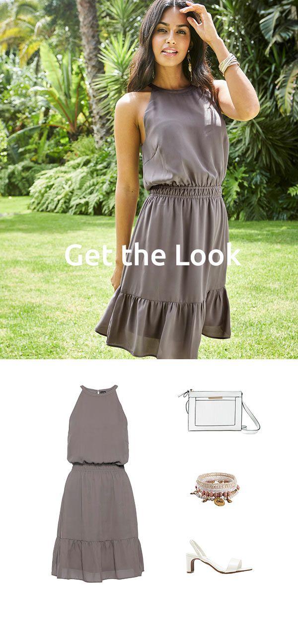 Elegantes Kleid Mit Volants In 2020 Kleid Mit Volant Mode Elegante Kleider