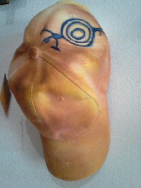 Cachucha tintutada y pintada a mano