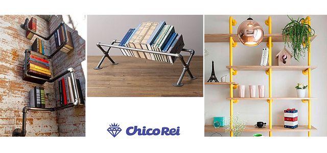 Fotos de estantes de livros e suportes feitos com canos de pvc.