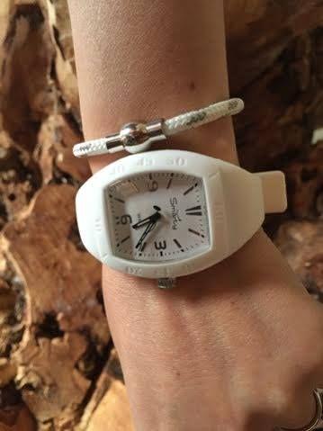 orologio in silicone e bracciale in corda