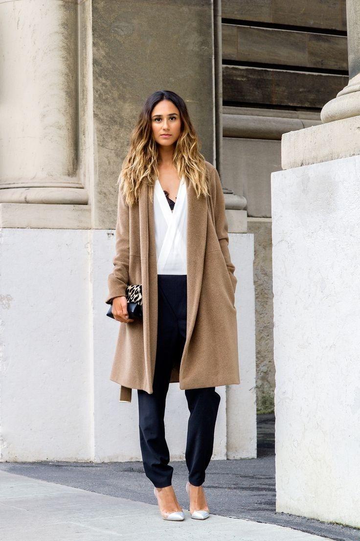 4fb31a0d24b3 15 τρόποι και συνδυασμοί για να φορέσεις το καμηλό παλτό σου