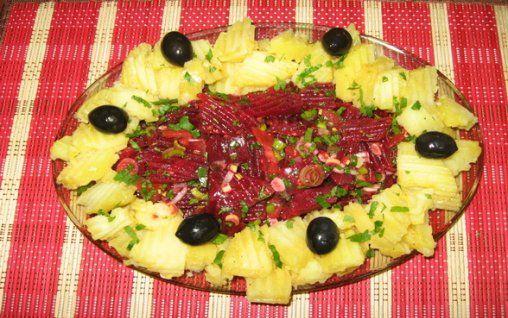 Retete Culinare - Salata marocana de cartofi si sfecla rosie