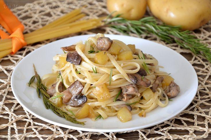 Se cercate la ricetta di un primo piatto gustoso e profumato, le linguine al rosmarino sono quello che fa per voi. Sono buonissime e semplici da preparare.
