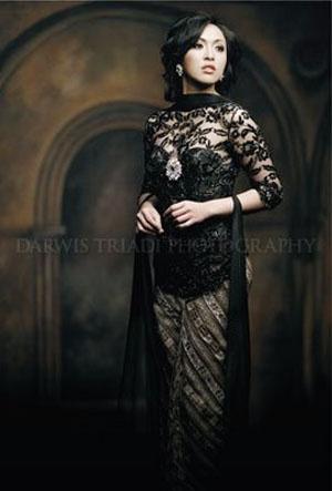 Darwis Triadi Maestro Photographers : Angelina Sondakh Miss Indonesia Batik Fashion Photography