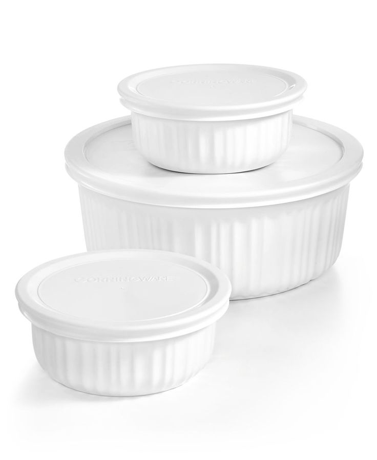 Add a must-have set of classics to your kitchen with this Corningware bakeware set. Created in traditional French white, the casserole and side dishes take your creations from the oven to the table wi