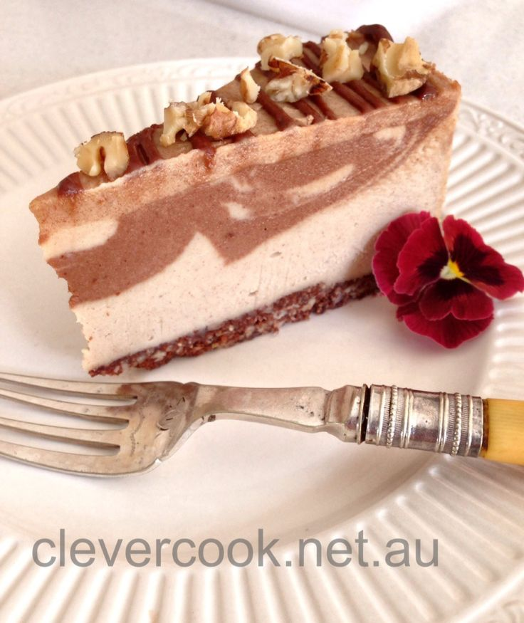 Don't be put off that it's raw, vegan and gluten-free! It's also sugar-free and delicious!!