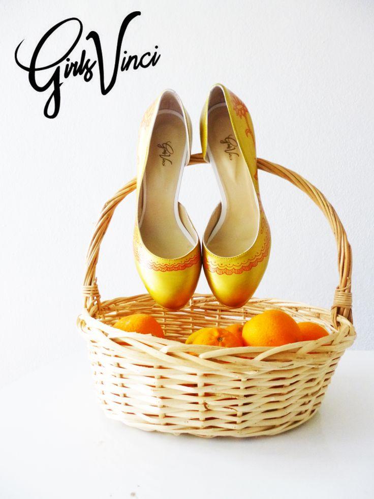 Lindos sapatos para a nossa querida e amiga Z. Inspirados na renda portuguesa! O que acham?  Para mais informações contacte-nos | geral@girlsvinci.com  www.girlsvinci.com