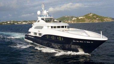 Το yacht ''4You''.