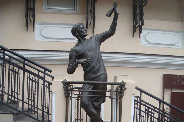 Памятник Сергею Уточкину в Одессе
