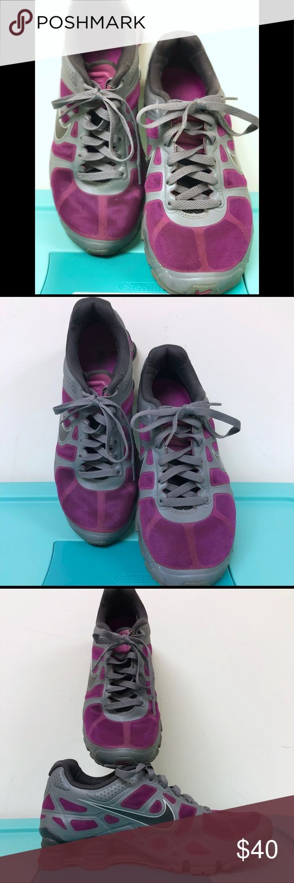 Women's Nike Shocks running sneaker UEC size 9 Women's Nike Shocks running sneaker UEC size 9 runs on the smaller size. I always get 9 in Nike's to leave room for inserts  In used, although not often, excellent condition. These are so comfortable Nike Shoes Athletic Shoes