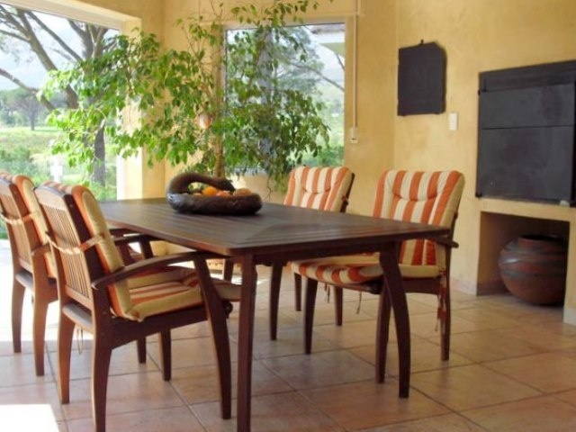 Google Image Result for http://images.cch.co.za/property/property-for-sale/640x480/sunroom-braai-room-b1-124506-9.jpg