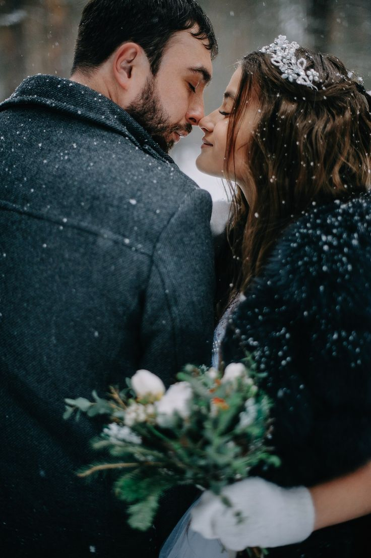 #wedding #dream #weddingphoto #weddingdress #crown #tiara #weddingvibes #fashion #свадьба #свадебноеплатье #тиара #жених #невеста #married #kiss #furvest #weddingflower #flowers #bride #simplebeyond