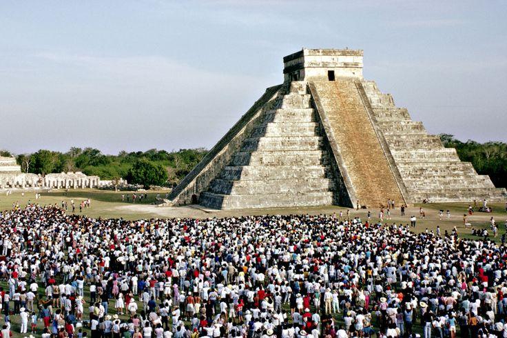 Явление Пернатого Змея. Чичен-Ица, Мексика