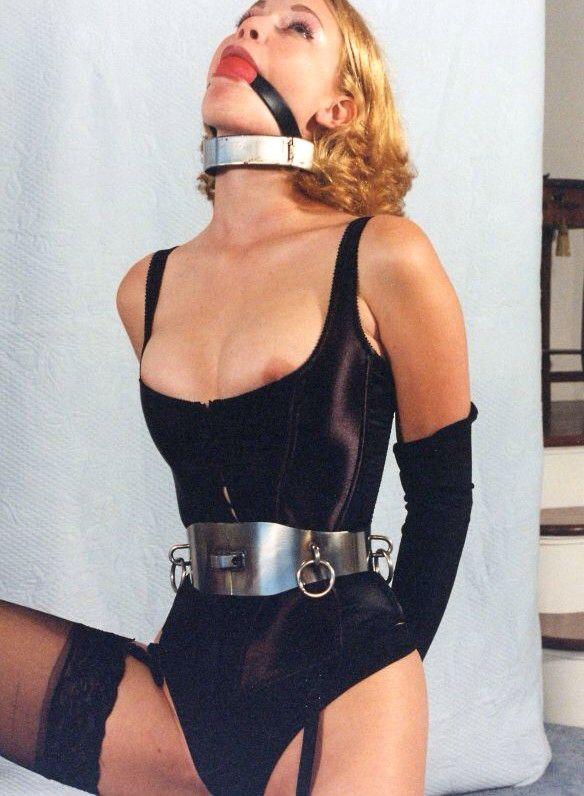bdsm club prague latex catsuit anziehen