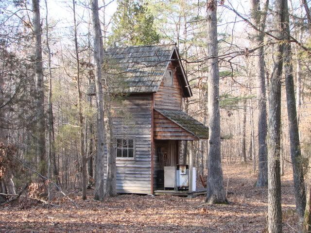 120 best images about homesteads small homes on for Best hunting cabins