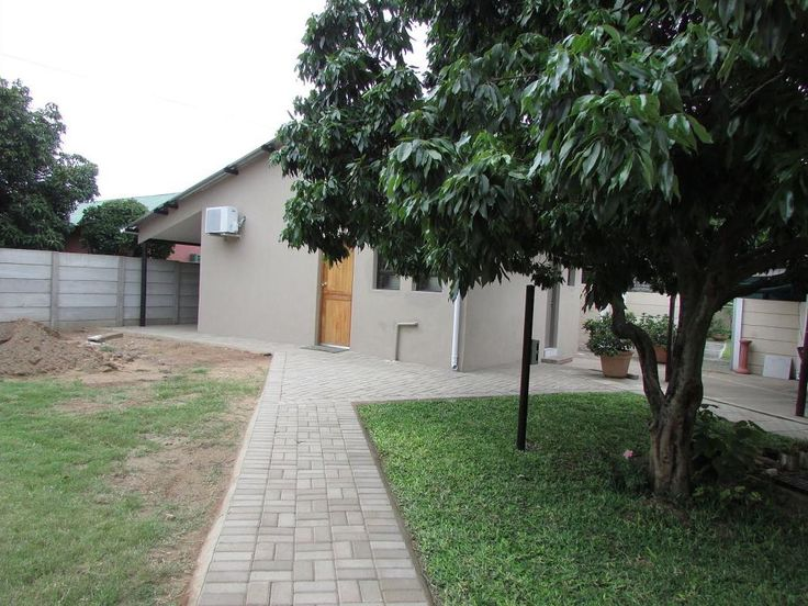 Impala Chalets Phalaborwa in Phalaborwa. Impala Chalets - Phalaborwa offers guests comfortably furnished chalets that can sleep between 2 to 4 people, and is within a short drive of various restaurants and shops. Offering 3 chalets, all of the chalets are air-conditioned and they are furnished with single beds. Each of the chalets also has a private bathroom with a shower. Where2Stay