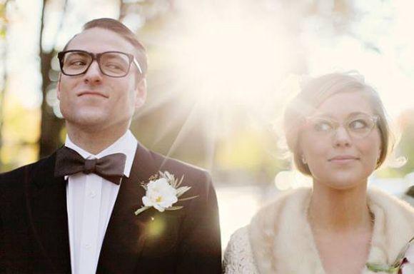 Noivo de óculos