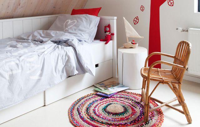 vtwonen collection 2014-2015 photographer: Jansje Klazinga stylist: Frans Uyterlinde #vtwonen #magazine #interior #collection #bedroom #kidsroom #white #red #carpet