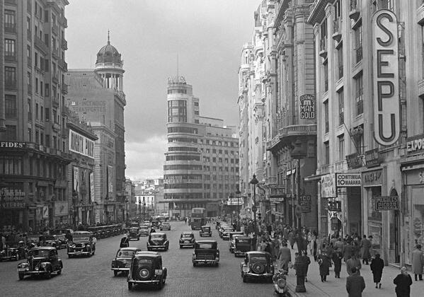 Caminando por Madrid: De los Almacenes Madrid París al nuevo Primark