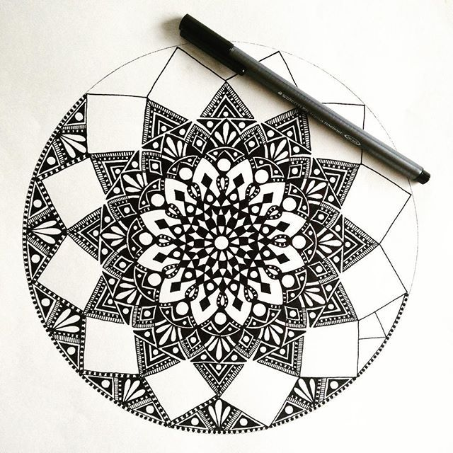 It's kinda like a Christmas bauble! draw #drawing #doodle #doodling #doodleart #mandala #pattern #design #paper #pen #staedtler #black #ink #tattoo #art #myart #boho #gypsy #hippy #hippie #inspired #sketch #wip #beautiful_mandalas