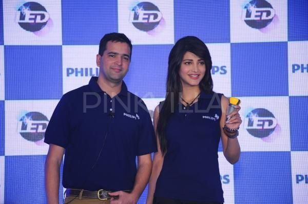 Shruti Hassan & Ranbir Kapoor endorse Philips Lighting