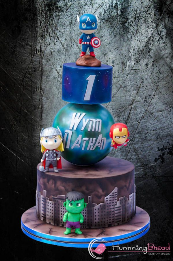 Marvel Avengers - Cake by HummingBread