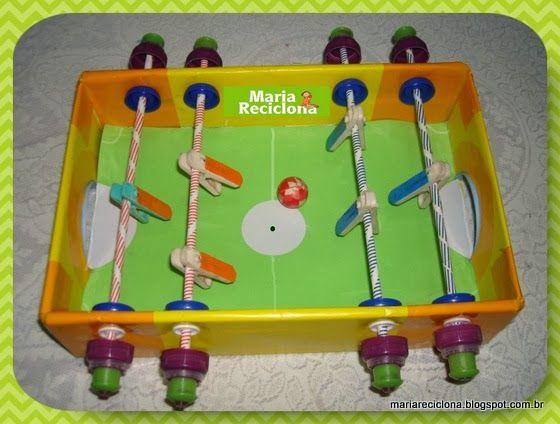 Pebolim - Brinquedo reciclado