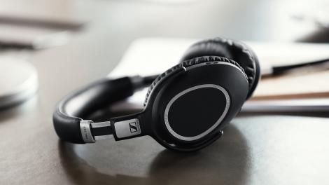 Sennheiser's wireless noise-cancelling headphones know when to pause the music