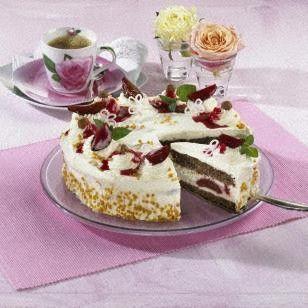 Haselnuss-Pflaumen Torte