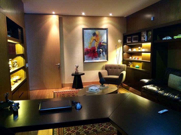 Biblioteca y mobiliario con una atmósfera muy especial!!