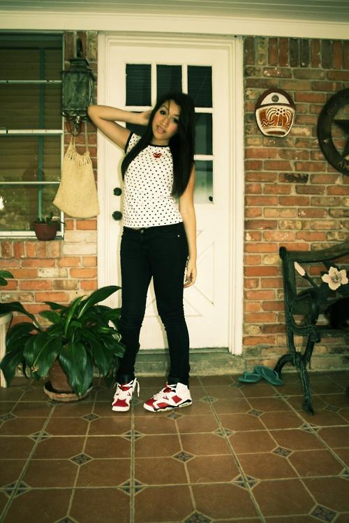 Girls wearing Jordans.   Girls Wearing Sneakers ...