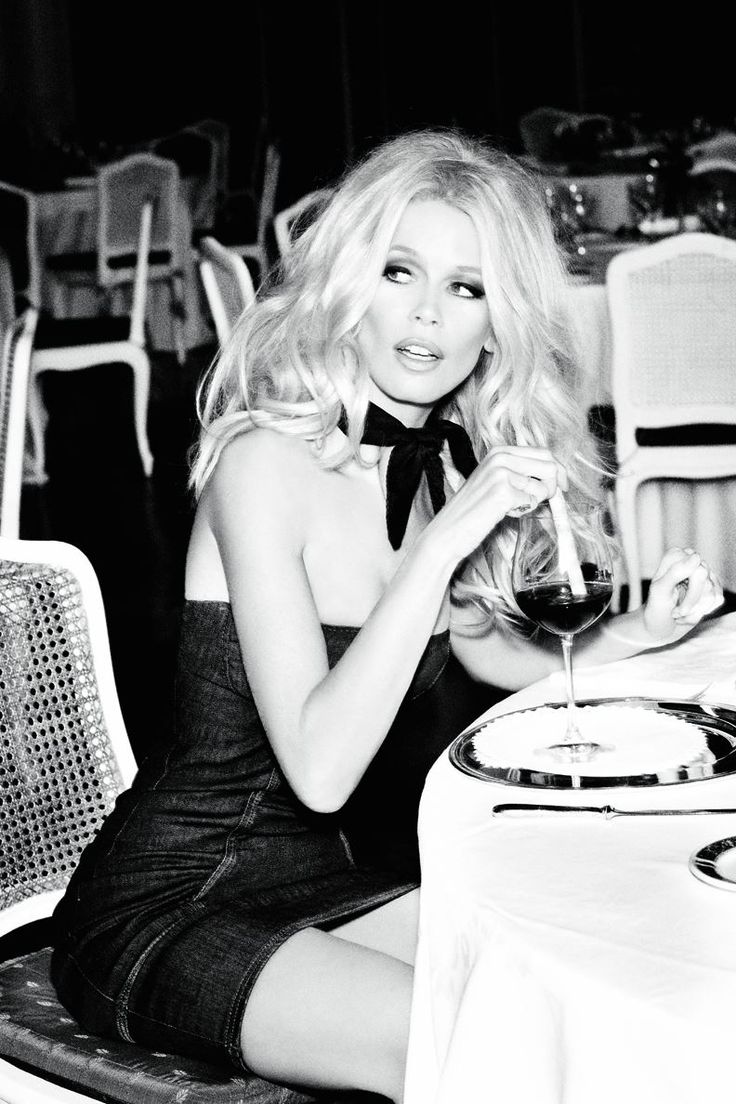 Claudia Schiffer for Guess 30th Anniversary Campaign...she still looks amazing