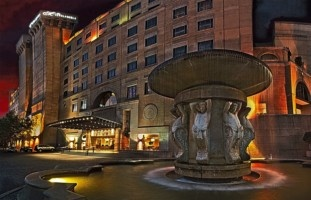Evening street view - Michelangelo Hotel. Quote and book http://www.south-african-hotels.com/hotels/michelangelo-hotel-sandton/