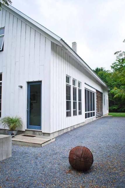 Modern Farmhouse By Birdseye Design Architect